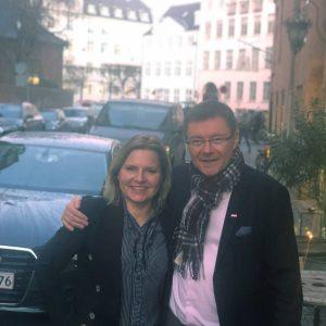 Marketing Finlandin toimitusjohtaja Riikka-Maria Lemminki ja FREJA Transport & Logisticsin toimitusjohtaja Matti Urmas.