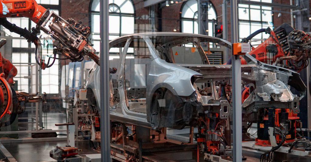autoteollisuus kuva tehtaasta